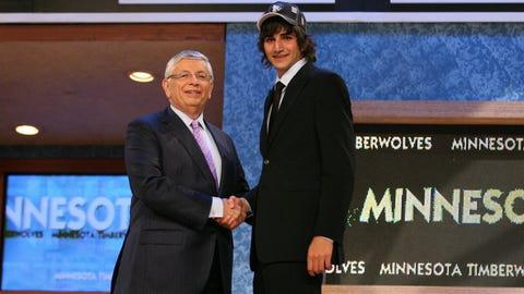 Minnesota drafts Ricky Rubio fifth overall, 2009