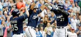Gomez hits two home runs, Brewers beat Braves 6-5