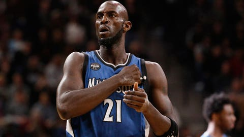 Kevin Garnett returns to Minnesota