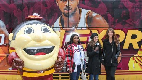 Cavaliers Fan Express Debut