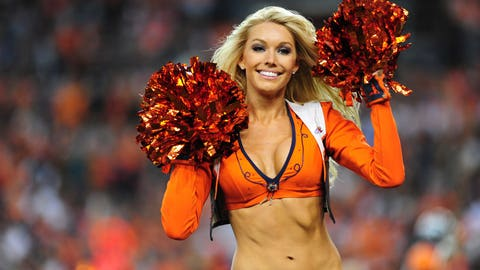 Broncos cheerleaders
