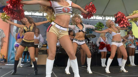 Niners cheerleaders