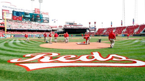 Reds players share favorite part of Opening Day