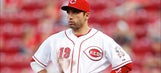 Votto rewards fan for trying to help Reds