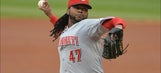 Cueto comes up big for Reds… again