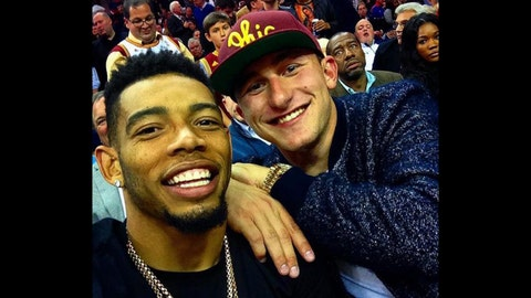 Celebs out in full force for Cavs opening night