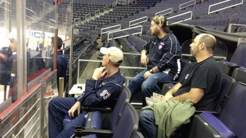 Ohio sports teams, athletes honor military on Veteran's Day