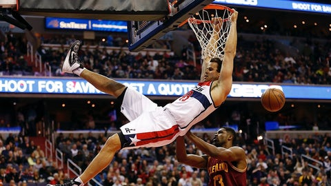 Humphries dunk