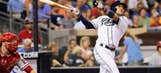 Amarista's homer lifts Padres over Phillies 5-4
