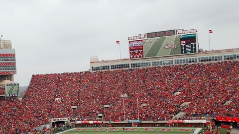 Nebraska Cornhuskers: 3,951 sq. ft; 117.6 x 33.6
