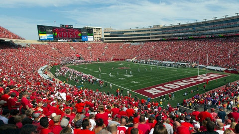 Wisconsin Badgers: 4,242 sq. ft; 101 x 42