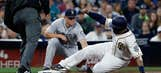Padres look to build more momentum vs Mariners