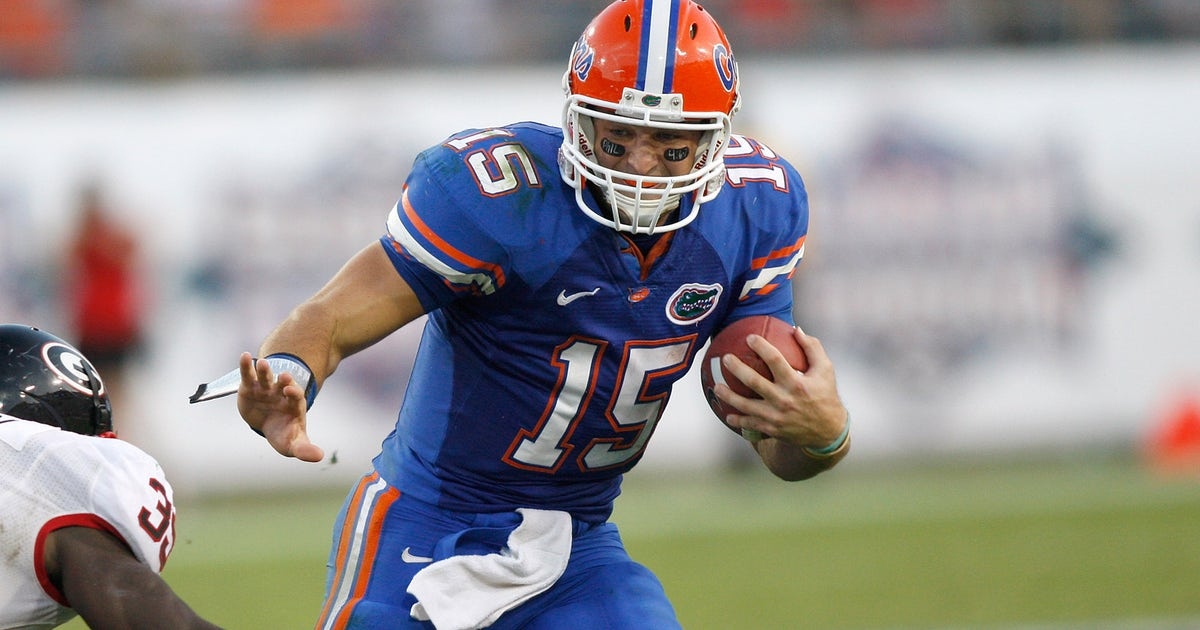 florida legend tim tebow to be inducted into gators ring of honor
