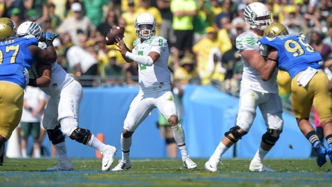 Davey O'Brien (Top QB): Marcus Mariota, Oregon