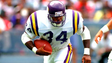 Minnesota Vikings: Overpaying for Herschel Walker