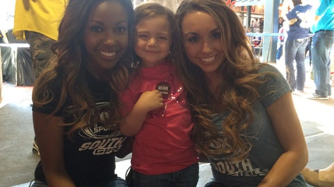 FOX Sports South Girls at 2014 Braves Fan Tailgate TweetUp