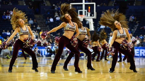 Texas A&M cheerleaders