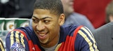 Anthony Davis supports fellow Wildcat Cobb at Packers-Seahawks game