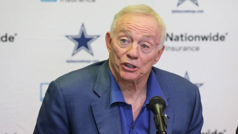 Jerry Jones on who was calling offensive plays last season