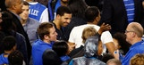 Drake congratulates Kentucky in locker room after thrilling win