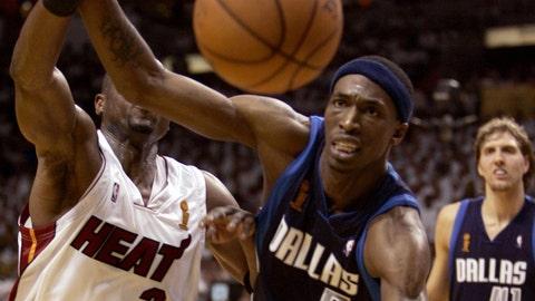 Mavs let chance at 3-0 series lead slip away | 2006