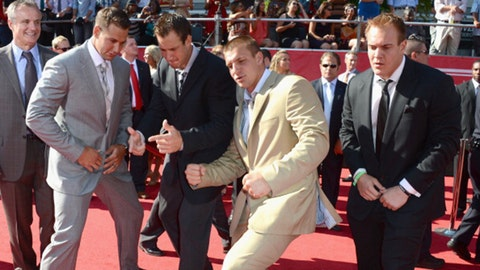 """The """"Brothers from the Same Mother"""" Bromance: The Gronk Brothers"""