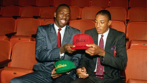 Seattle sends Scottie Pippen to Chicago