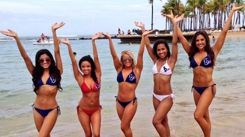 Houston Texans Cheerleaders in Puerto Rico