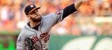 Astros' Keuchel sends message to heckler with baseball
