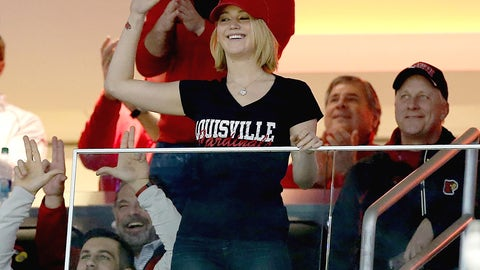 Jennifer Lawrence - Louisville Cardinals