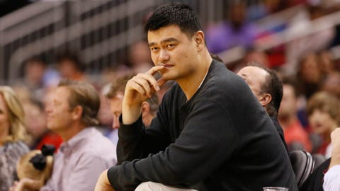 30 Reminders Yao Ming is Really Tall