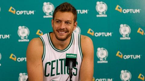 Boston Celtics - David Lee, Age: 32