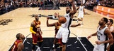 Spurs beat LeBron, Cavs for 32nd straight win at home