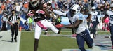 Locker injured, Titans let 25-point lead get away in loss to Browns