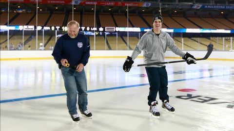 2014 NHL Stadium Series - Media skate and game