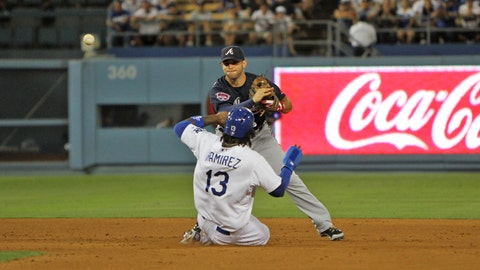 Kemp comes up big in win vs. Braves