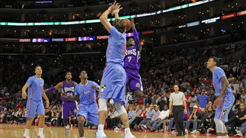 Gallery: Kings slip by Clippers