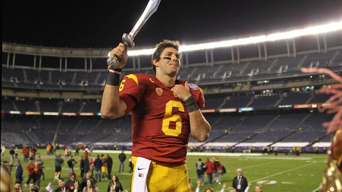 Gallery: Trojans win wild Holiday Bowl