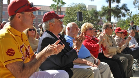 Gallery: Statue of legendary USC baseball coach Rod Dedeaux unveiled