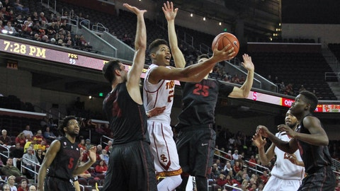 Stanford edges USC