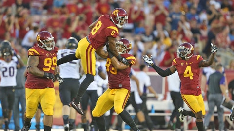 USC falls at home to Washington