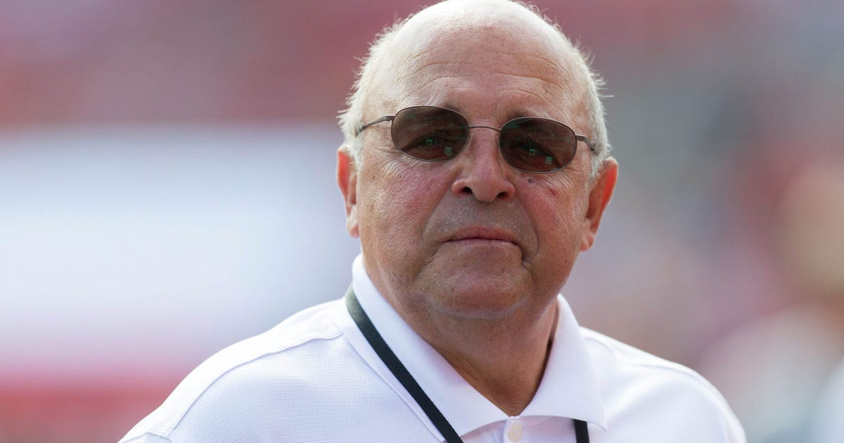 Wisconsin Ad Barry Alvarez Will Coach Outback Bowl Fox