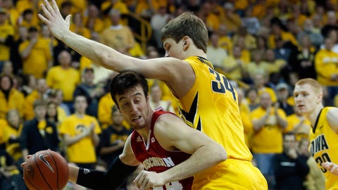 Badgers at Hawkeyes: 2/22/14
