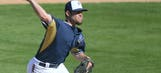 Brewers call up reliever Rob Wooten