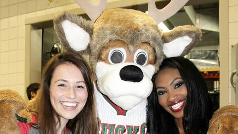 The FOX Sports Wisconsin Girls unanimously agree that Bango is the best mascot in the NBA.