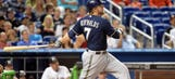 Reynolds homers twice, Brewers win slugfest in Miami