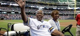 Brewers unveil Wall of Honor