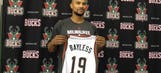 Lure of Kidd helped draw Bayless to Milwaukee