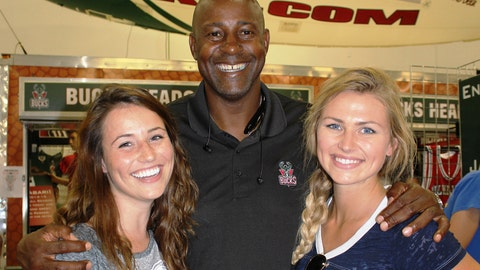 The FOX Sports Wisconsin Girls caught up with Sir Sid at the Bucks HQ in the Expo Center.