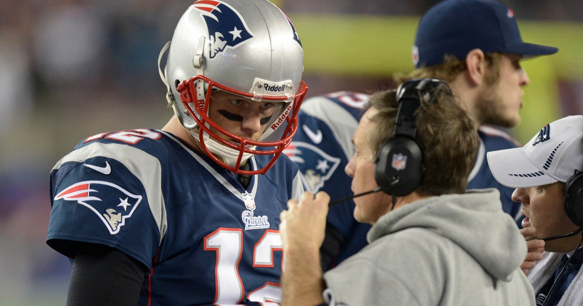 d2e215ed2b6 Belichick laughs off question of evaluating QB position